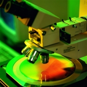 La comunidad científica cree que se perderán generaciones de investigadores si continúan los recortes en el sistema de I+D+i