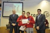 Un sistema antikamikazes para autopistas gana el primer premio de la feria científica Galiciencia 2013