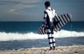 Idean un traje para surfistas que evita el ataque de tiburones