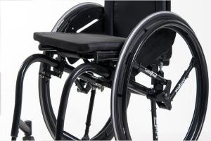 Inventan una rueda innovadora que absorbe los golpes en las sillas de ruedas