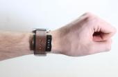 """Crean un gadget que convierte cualquier reloj en un """"smartwatch"""""""