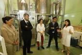 El director de GAIN destaca en su visita a la biotecnológica Innaves el valor de la innovación abierta y colaborativa