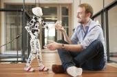 Ingenieros franceses crean el primer robot humanoide impreso en 3D que puede construir y programar cualquier usuario