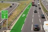 Reino Unido construirá carreteras que recargan coches eléctricos mientras circulan