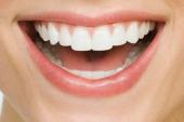 Inventan una pasta que repara los dientes mientras duermes