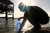 Inventan bolsas de plástico para la desinfección de agua a bajo coste